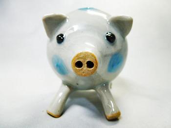 子豚の塩胡椒入れ(青)2.JPG