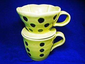 水玉模様のイエローカップ&ドリッパー2.jpg
