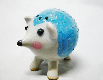 ハリネズミの塩胡椒入れ(ブルー)1.JPG