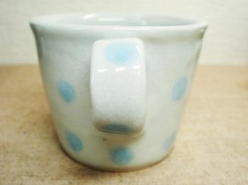 ライトブルーの水玉マグ5.jpg