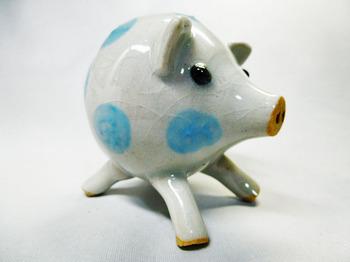 子豚の塩胡椒入れ(青)3.JPG